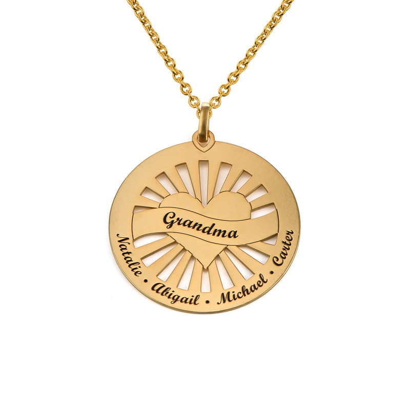 Grandma Circle Pendant Necklace with Engraving in 18ct Gold Vermeil