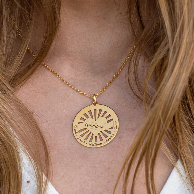 Grandma Circle Pendant Necklace with Engraving in 18ct Gold Vermeil - 2