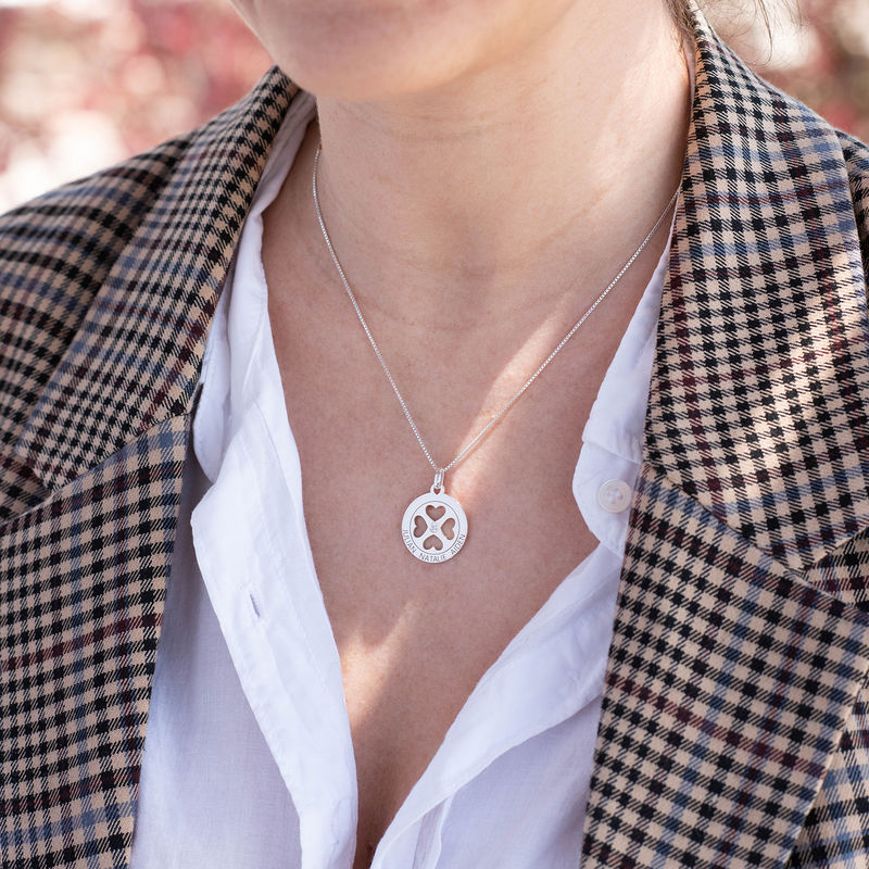 Four Leaf Clover Heart in Circle Pendant Necklace in Silver - Mini design - 1