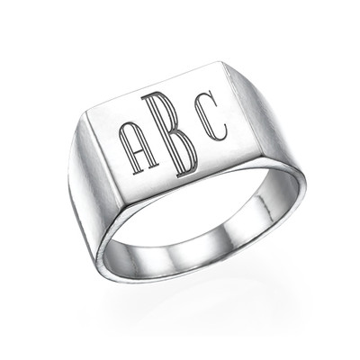 Monogrammed Signet Ring in Silver