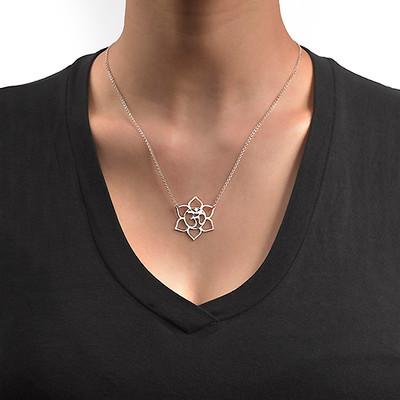 Lotusblütenkette mit Om-Symbol - 1