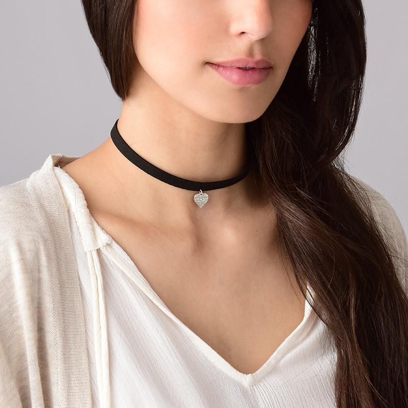 Schwarze Halsband-Kette mit Herz Charm - 2