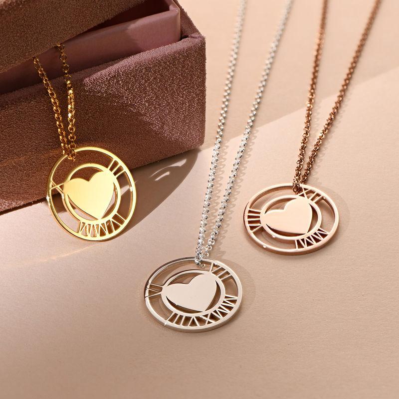 Silberne Herzkette mit rundem Plättchen und römischen Ziffern - 1