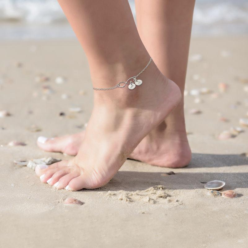 Infinity-Armband mit Gravur/ Fußkette mit Initialen-Charms - 3