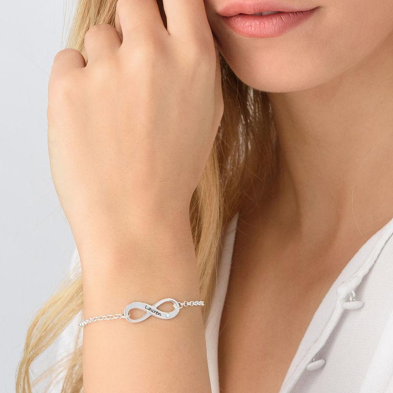 Infinity-Armband mit Gravur aus Sterlingsilber mit Diamant - 2