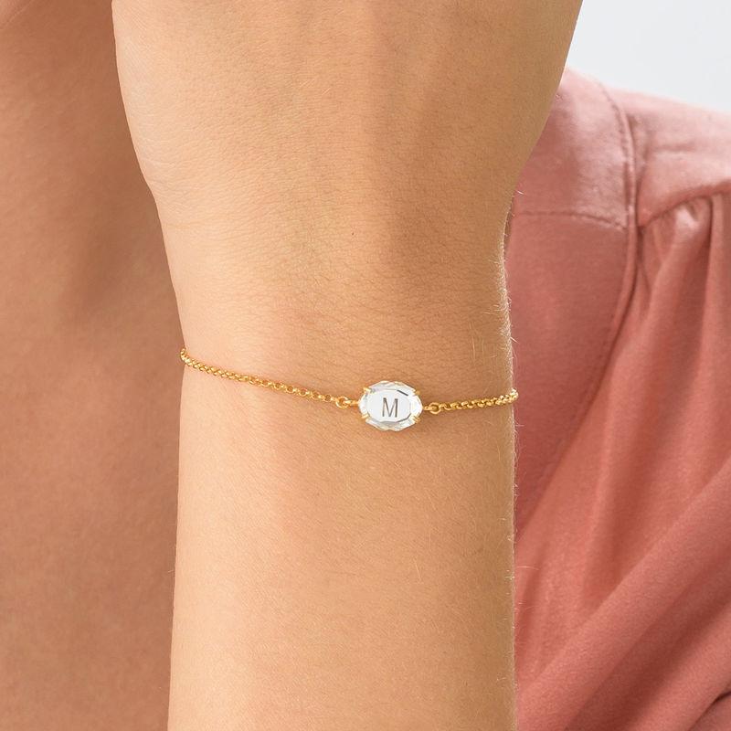 Gravierbares Armband mit Buchstaben, Swarovski-Stein und Gold-Beschichtung - 4