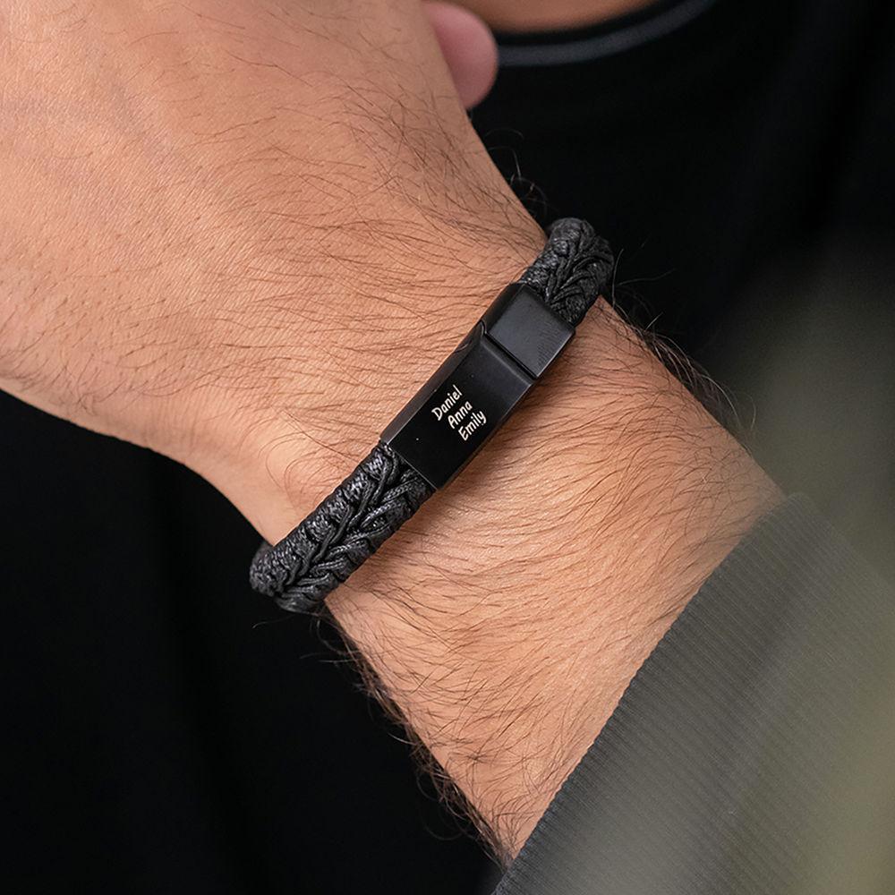 Flaches geflochtenes  Herrenlederarmband in Schwarz - 1