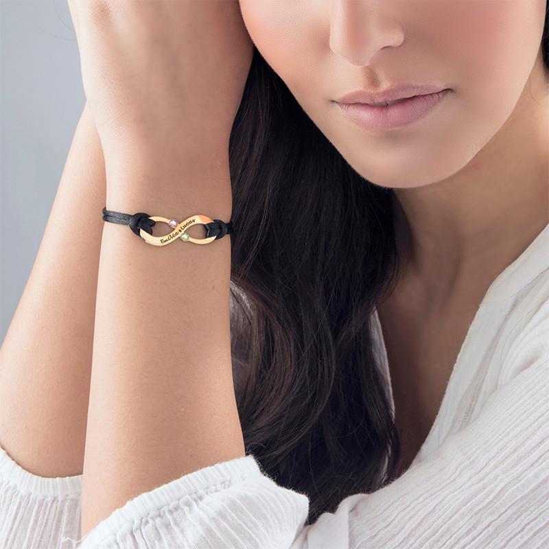 Vergoldetes Infinity-Armband mit Gravur und Geburtssteinen für Pärchen - 3