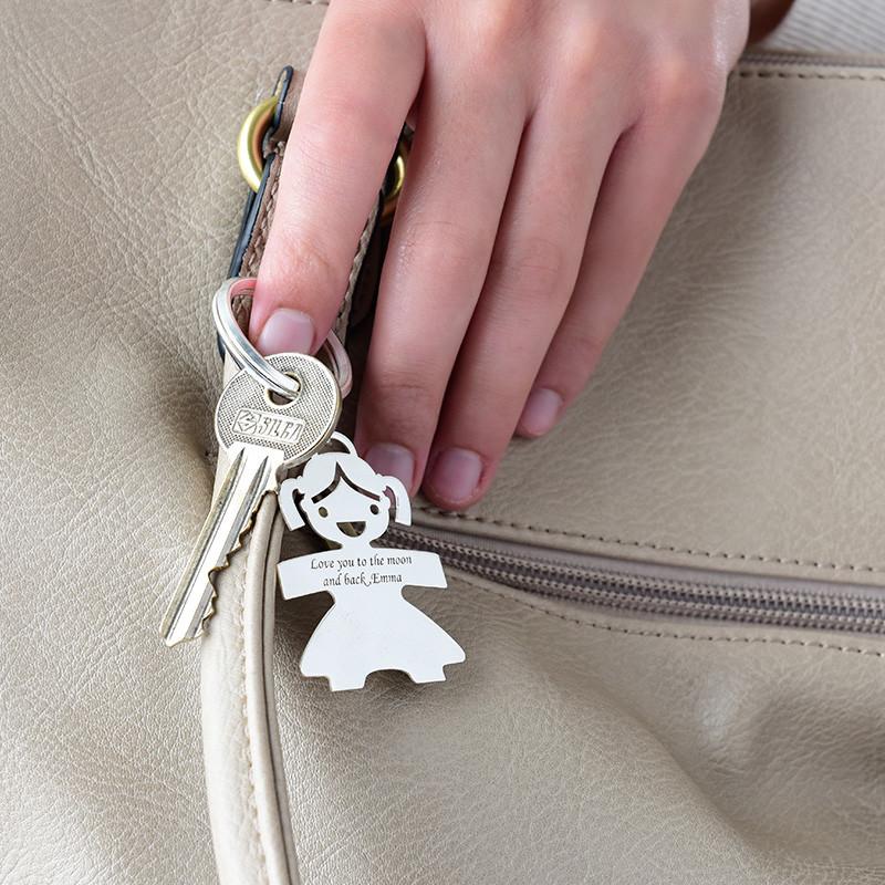 Gravierbarer Schlüsselanhänger mit Mädchen aus Silber - 1
