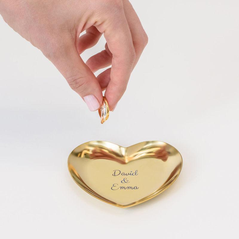 Herzförmige goldfarbene Schmuckablage mit Gravur - 3