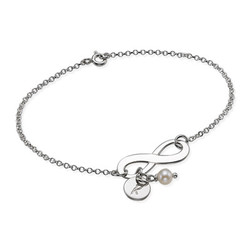 Silber Infinity-Armband mit Initiale und Süßwasserperle product photo
