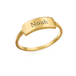 Gravierter Silberring mit Namensplakette - vergoldet product photo