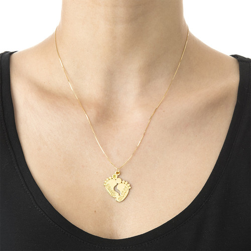 Persönlich gestaltete Babyfuß-Halskette aus 14k Gold - 1