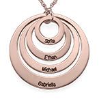Rosévergoldete halskette mit vier Ringen und Gravur