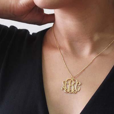 Collar Monograma  de Plata Chapada en Oro 18k - 1