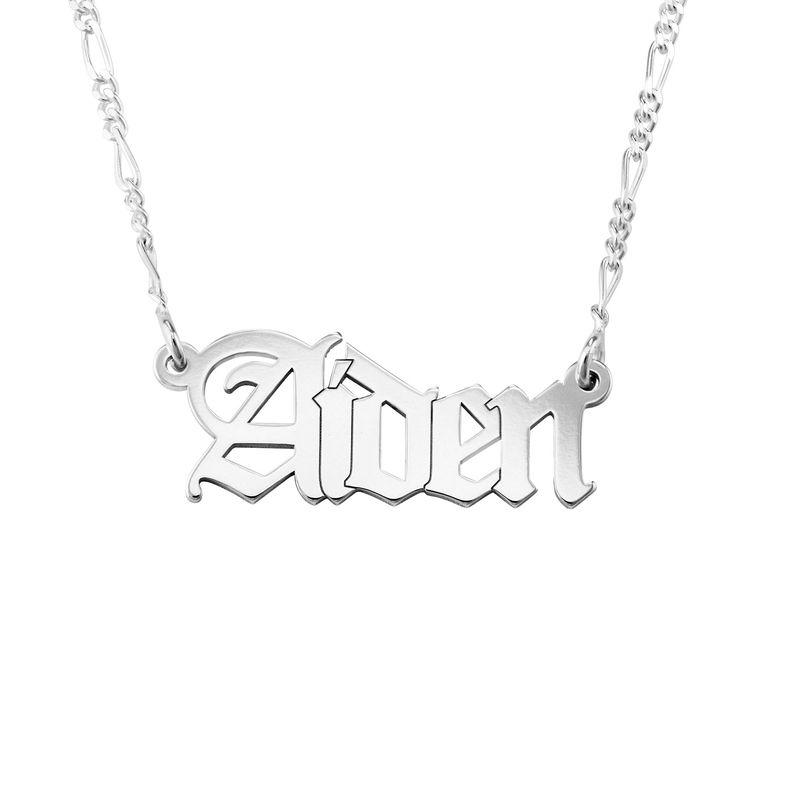 Collar con nombre gótico personalizado en plata