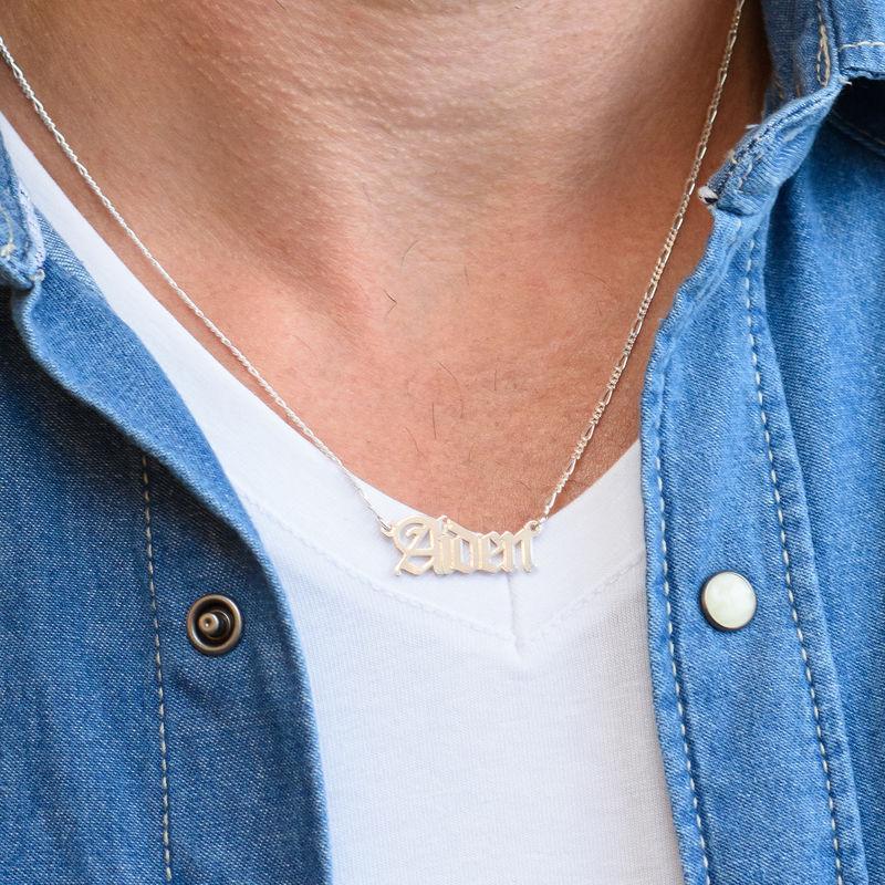 Collar con nombre gótico personalizado en plata - 2