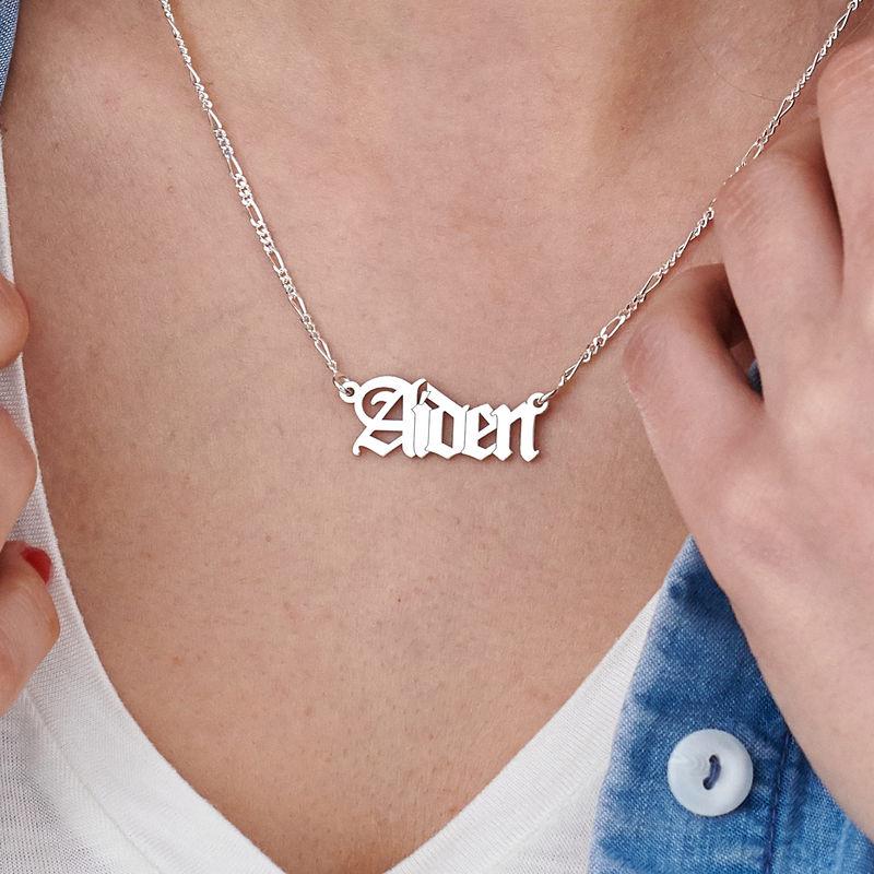 Collar con nombre gótico personalizado en plata - 4