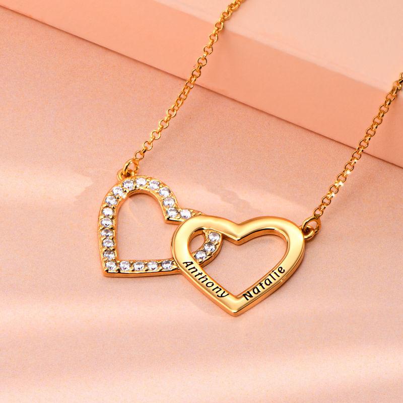 Collar de doble corazón grabado chapado en oro - 1