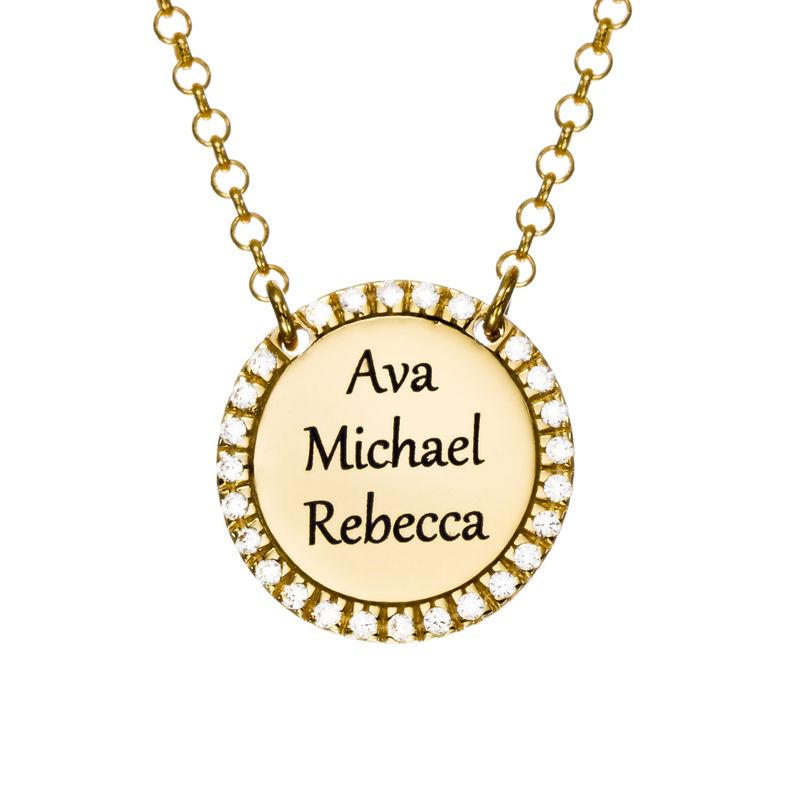 Collar con medalla redonda grabada con circonia cúbica chapado en oro foto de producto