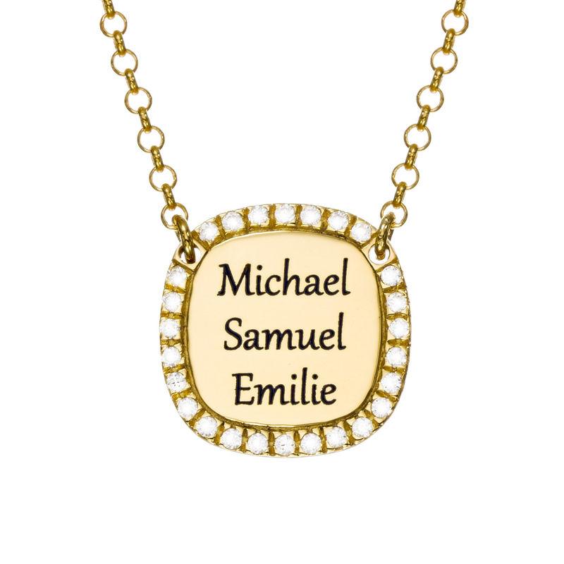 Collar con medalla rectangular grabada con circonia cúbica chapado en oro product photo