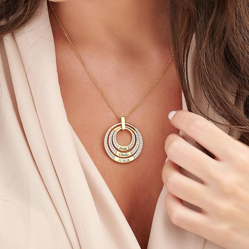 Colgante para mamá con círculos grabados chapado en oro - 2
