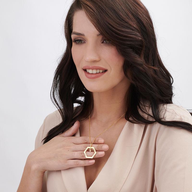 Collar Hexágonal personalizado chapado en oro - 2