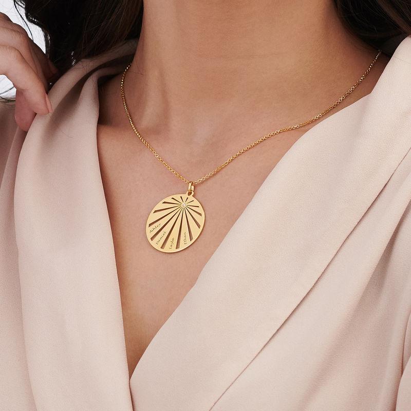 Medalla grabada de la familia con diamante chapada en oro - 3