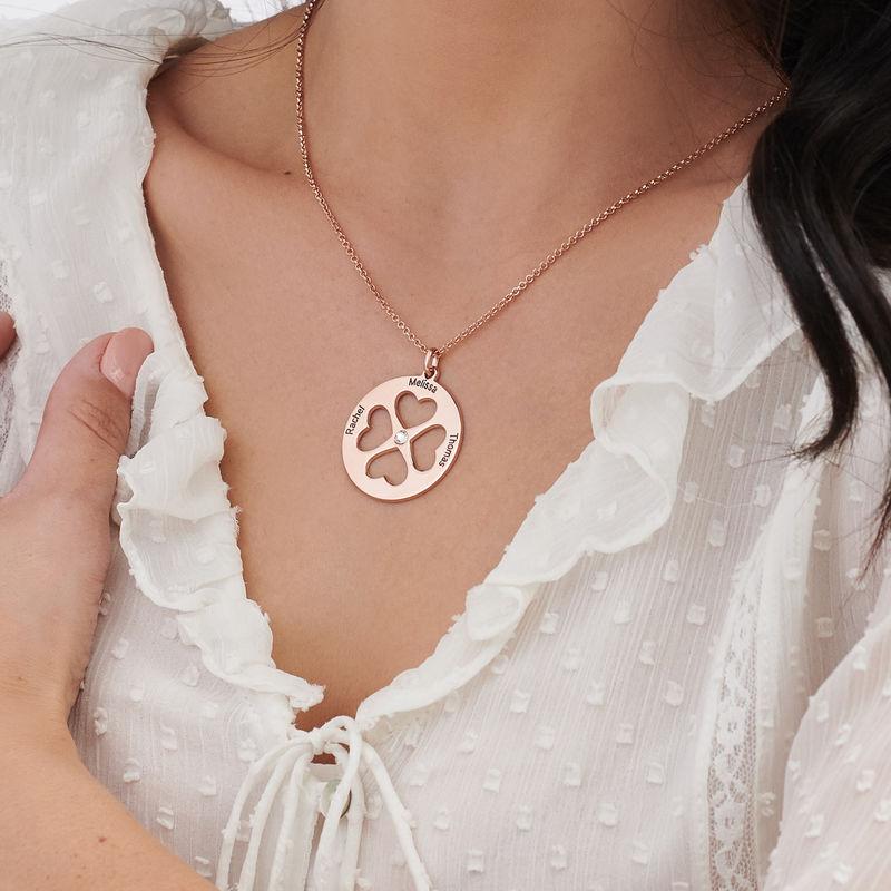 Collar de trébol de cuatro hojas con corazón en círculo chapado en oro rosa - 3