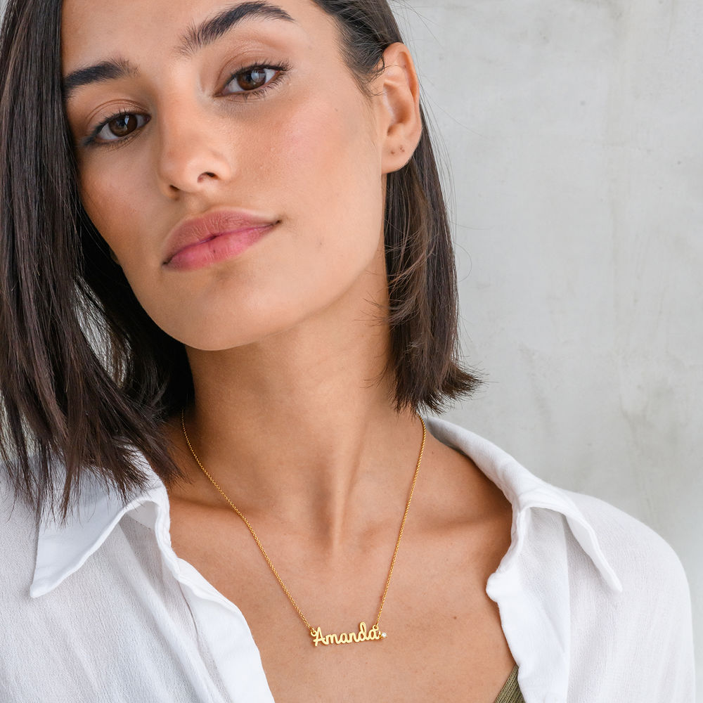 Collar con nombre cursivo en chapa de oro 18k con diamante - 2