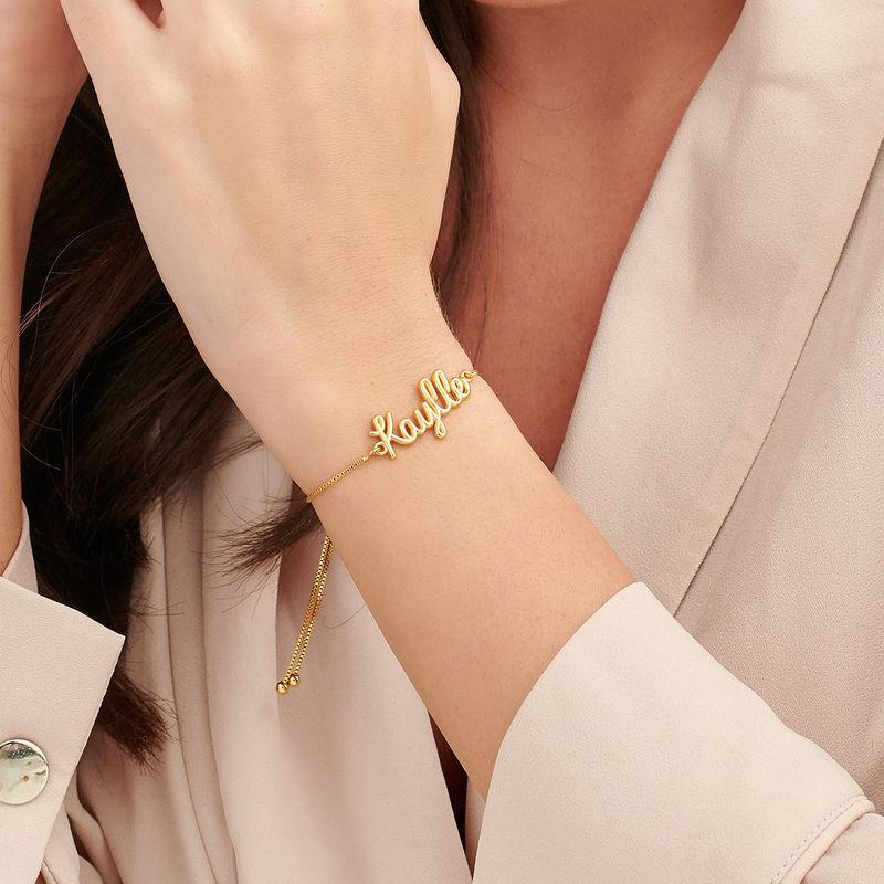 Pulsera con nombre en cursiva chapada en oro - 2