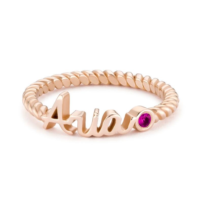 Anillo con nombre, piedra de nacimiento y banda de cuerda chapado en oro rosa - 1