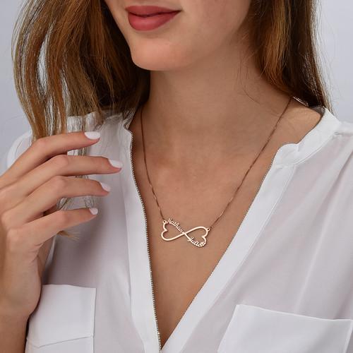 Collar Infinito de Corazón con Nombres - Chapa de Oro Rosa - 1