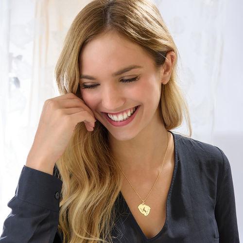 Collar Personalizado de Piecitos de Bebé Chapado en Oro - 1