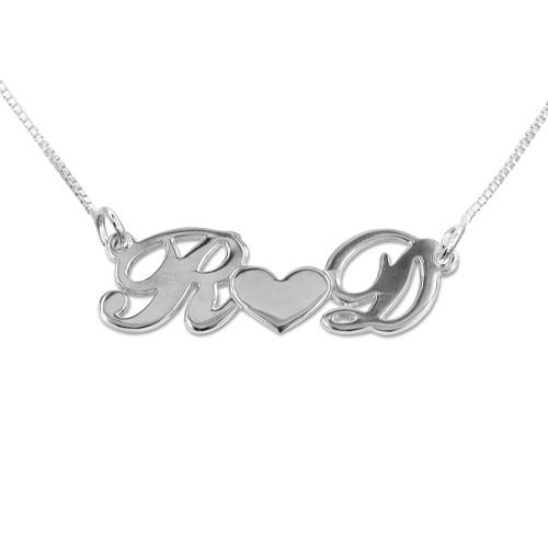 db0b590dec62 Collar con Iniciales y Corazón