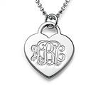 Collar de plata del Corazón Grabado con Monograma
