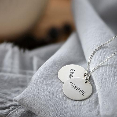Una joya para Mamá - Collar Personalizado con Disco de Plata - 2