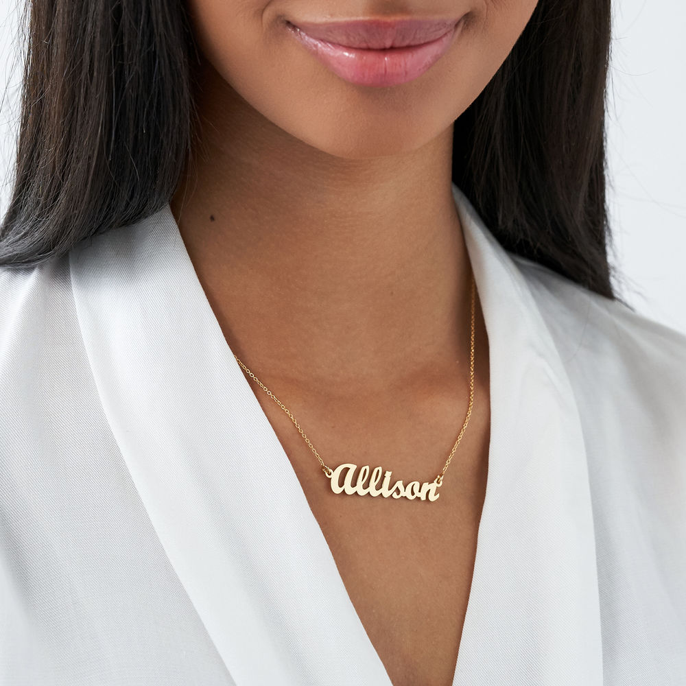 Collar Pequeño con nombre Fuente Clásica,  plata de ley chapada en oro 18k - 2