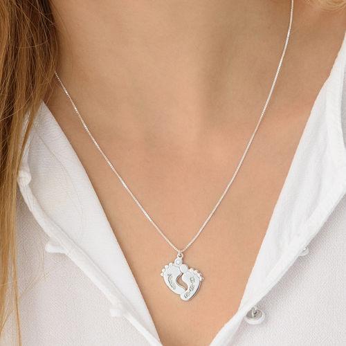 Collar de piecitos de bebé en plata de ley con diamante - 2