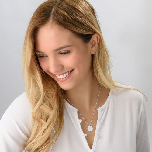 Collar con inicial en plata de ley con diamante - 1