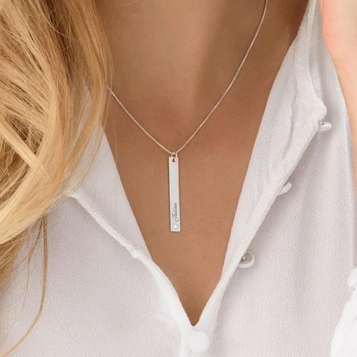 Collar de barra vertical en plata de ley con diamante - 3