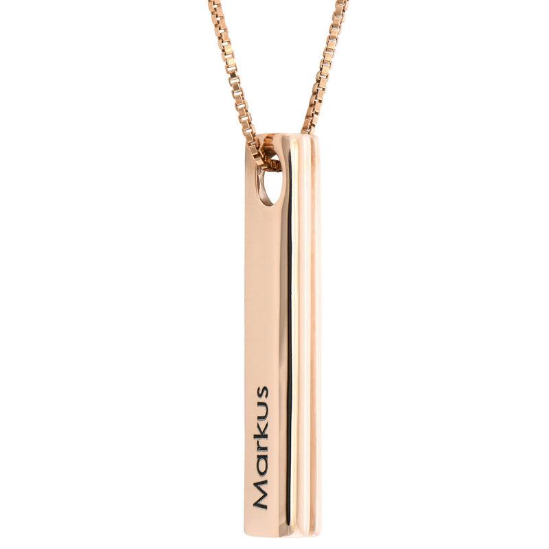 Collar de barra grabado 3D con forma de corazón chapado en oro rosa product photo