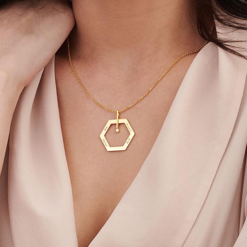 Kuusikulmio koru kaiverruksella ja timantilla, kullattu - 3