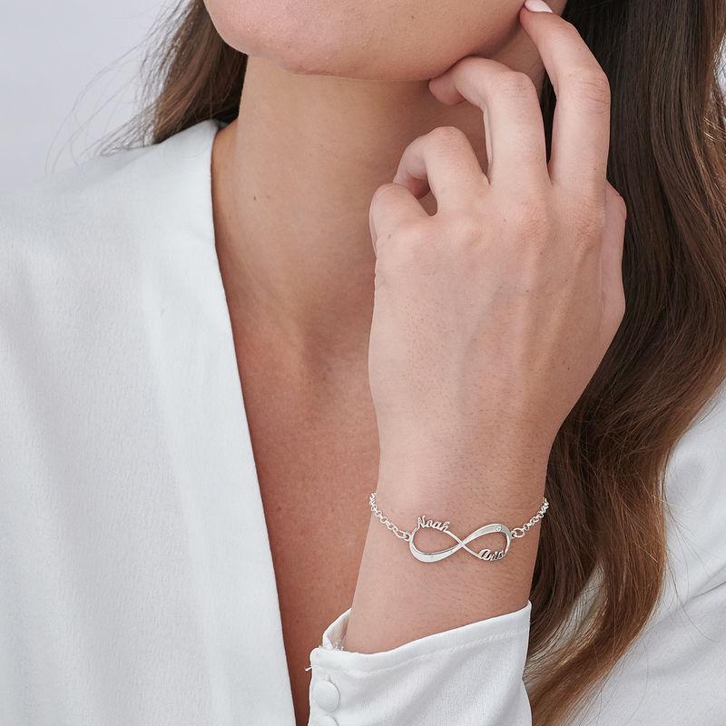 Sterling-hopeinen Infinity rannekoru nimillä ja timantilla - 2