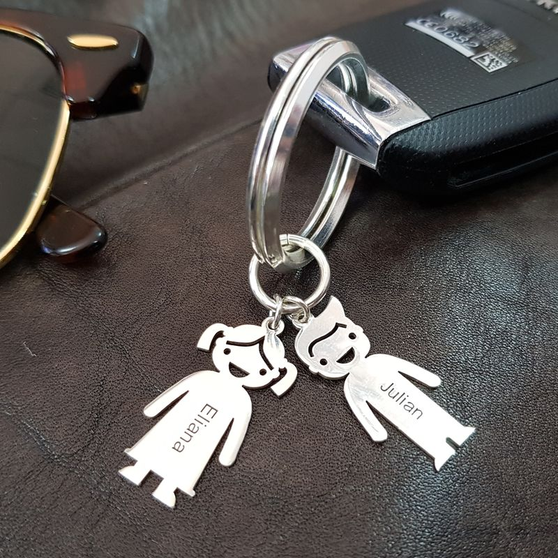 Kaiverrettu lapsiriipus avaimenperä - 4