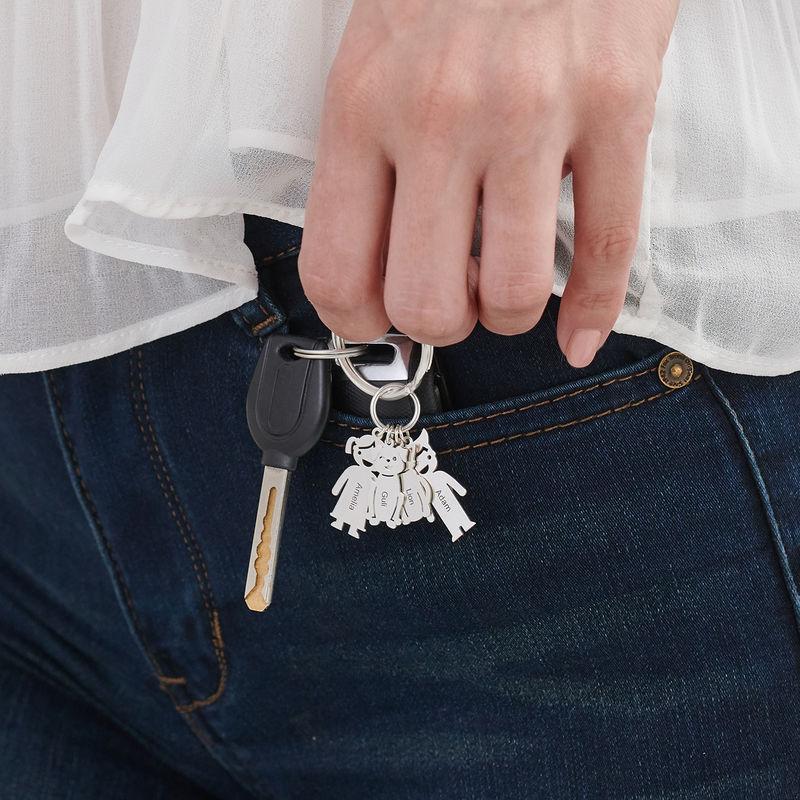 Kaiverrettu avaimenperä, lapset ja lemmikit - 3