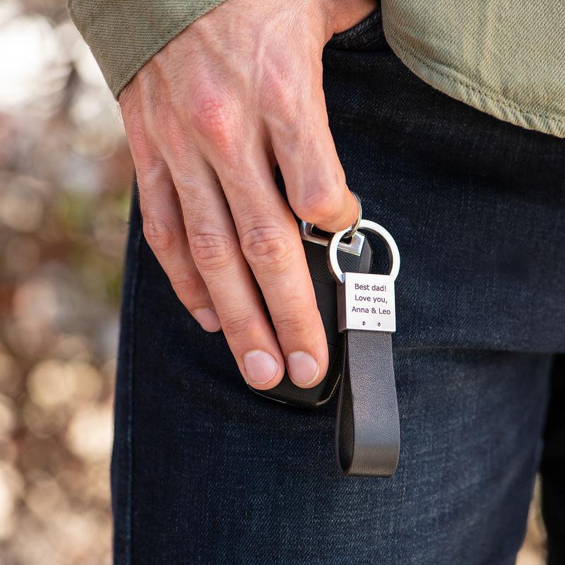 Räätälöity musta nahka-avaimenperä - 1