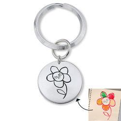Kaiverrettu avaimenperä lasten piirroksilla tuotekuva