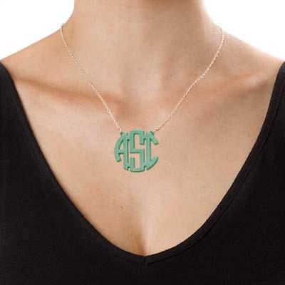 Collana colorata acrilica con monogramma personalizzato - 1