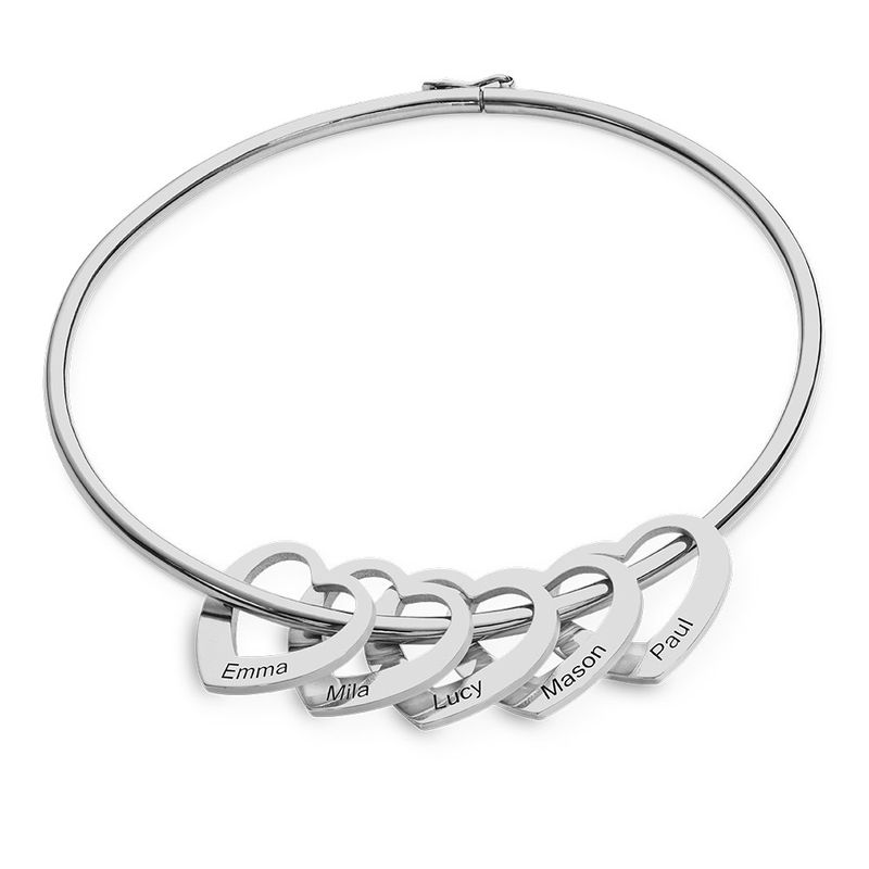 Bracciale Rigido con Ciondoli a Cuore in Argento product photo